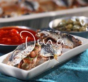 Σαρδέλες γεμιστές πλακί από τη Ντίνα Νικολάου: Ο δυόσμος και οι σταφίδες απογειώνουν την συνταγή - δοκιμάστε την! - Κυρίως Φωτογραφία - Gallery - Video