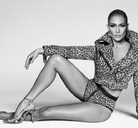 """Tiger Girl"" η Τζένιφερ Λόπεζ με total leopar εμφάνιση διαφημίζει τα παπούτσια με τη φίρμα της - Δείτε τα καλοκαιρινά σχέδια (φώτο) - Κυρίως Φωτογραφία - Gallery - Video"