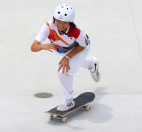 Τopwomen μόλις 13 & 16 ετών: Ολυμπιονίκες στο skateboard  - Τα κορίτσια που κέρδισαν το χρυσό και το αργυρό (φωτό - βίντεο) - Κυρίως Φωτογραφία - Gallery - Video