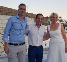 Μια βάφτιση οικογενειακή υπόθεση: Στην Τήνο ο Κυριάκος και η Μαρέβα Μητσοτάκη, η Ντόρα Μπακογιάννη, η Αλεξία, ο Κώστας, η Σία Κοσιώνη (φωτό) - Κυρίως Φωτογραφία - Gallery - Video