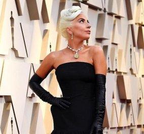 Η μεταμόρφωση της Lady Gaga: Μένει στο Plaza, κυκλοφορεί σαν σταρ του παλιού σινεμά - Οι απίθανες εμφανίσεις της στην Νέα Υόρκη (φωτό & βίντεο) - Κυρίως Φωτογραφία - Gallery - Video