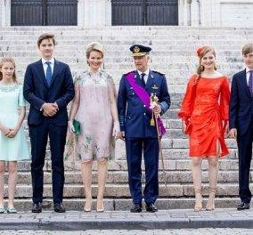 Ημέρα εθνικής γιορτής στο Βέλγιο και η βασιλική οικογένεια έβαλε τα καλά της: Κούκλες η βασίλισσα Ματθίλδη & η 19χρονη διάδοχος (φωτό) - Κυρίως Φωτογραφία - Gallery - Video