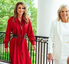 Στον Λευκό Οίκο το βασιλικό ζεύγος της Ιορδανίας: Τα κομψά σύνολα της Τζιλ Μπάιντεν & της βασίλισσας Ράνιας - η μια στα κόκκινα, η άλλη στα λευκά (φωτό & βίντεο) - Κυρίως Φωτογραφία - Gallery - Video