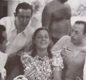 Σπάνια vintage pic: Η Ρένα Βλαχοπούλου μικρή, τραγουδάει στους συμπατριώτες της στην Κέρκυρα - κοτσιδάκια & απίστευτο ύφος - Κυρίως Φωτογραφία - Gallery - Video