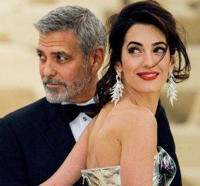 Ο George & η Amal Clooney απολαμβάνουν τις διακοπές τους στο Κόμο - Οι εντυπωσιακές εμφανίσεις & η απάντηση για την εγκυμοσύνη (φώτο)  - Κυρίως Φωτογραφία - Gallery - Video