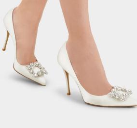 Αυτά είναι τα μαγικά παπούτσια Roger Vivier που φόρεσε η Μαίρη Κατράντζου για το γάμο της στο Παλαιό Ψυχικό: Mεταξωτό σατέν με στρας & κρύσταλλα (φωτο) - Κυρίως Φωτογραφία - Gallery - Video