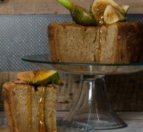 Ο Στέλιος Παρλιάρος προτείνει ένα γλυκό για εκλεπτυσμένους ουρανίσκους: Κέικ με αμύγδαλα και φρέσκα σύκα  - Κυρίως Φωτογραφία - Gallery - Video