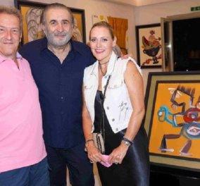 Ο Λάκης Λαζόπουλος ζωγράφος! Για πρώτη φορά εκθέτει τα έργα του στην αγαπημένη του Πάρο – Τα εγκαίνια μαζί με τον Απόστολο Χαντζαρά στην γκαλερί Κapopoulos Fine Arts (φώτο) - Κυρίως Φωτογραφία - Gallery - Video