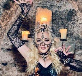 """Η Madonna με την ευκαιρία των 63ων γενεθλίων της μάς παρουσιάζει το αγόρι της ετών 27 - Η """"Αυτοκράτειρα του Βυζαντίου"""" & η φαμίλια της (φώτο) - Κυρίως Φωτογραφία - Gallery - Video"""