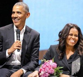 «Κύριε και κυρία Ομπάμα σας ζητώ συγνώμη»: Η μεταμέλεια της καλεσμένης που εξέθεσε το πρώην προεδρικό ζεύγος στο πάρτι γενεθλίων χωρίς μάσκες (βίντεο) - Κυρίως Φωτογραφία - Gallery - Video