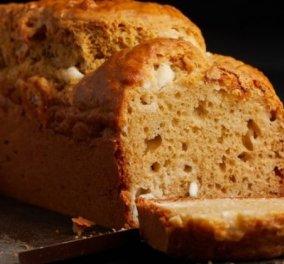 Η Αργυρώ Μπαρμπαρίγου μας προτείνει ένα τέλειο brunch: Αλμυρό κέικ με γιαούρτι & φέτα - Κυρίως Φωτογραφία - Gallery - Video