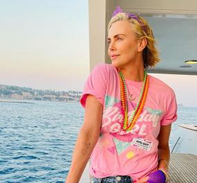 Charlize Theron: Έσβησε 46 κεριά στο πολυτελές σκάφος της σε ελληνικό νησί (φωτό) - Κυρίως Φωτογραφία - Gallery - Video