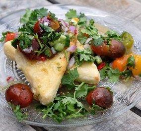Ένας πεντανόστιμος μεζές από τον Άκη Πετρετζίκη: Τυρί σαγανάκι με σάλτσα από ντοματίνια - γλυκό & αλμυρό σε πλήρη αρμονία - Κυρίως Φωτογραφία - Gallery - Video
