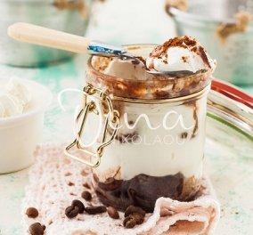 Ότι πιο λαχταριστό: Τιραμισού με σοκολάτα και γιαούρτι από τη Ντίνα Νικολάου - θα το λατρέψετε! - Κυρίως Φωτογραφία - Gallery - Video