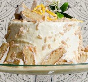 Στέλιος Παρλιάρος: Δροσερή τούρτα με άρωμα αμυγδάλου & λεμονιού – Με λευκή σοκολάτα χωρίς παντεσπάνι  - Κυρίως Φωτογραφία - Gallery - Video