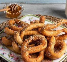 """Γλυκά με μέλι ή αλμυρά με τυράκι τα λαλάγγια """"τα σπάνε"""" - Η συνταγή από τον Άκη Πετρετζίκη - Κυρίως Φωτογραφία - Gallery - Video"""