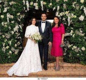 Σίμος Σιδηρόπουλος - Σουζάνα Χατζηβασιλείου: Ένα υπέροχο ζευγάρι σε έναν πανέμορφο γάμο - το νυφικό, οι λαμπεροί καλεσμένοι (φωτό) - Κυρίως Φωτογραφία - Gallery - Video