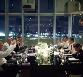 EUMED 9: Οι φωτό από το δείπνο των ηγετών στο «Σταύρος Νιάρχος» - χαλαρή ατμόσφαιρα με φόντο τη νυχτερινή Αθήνα - Κυρίως Φωτογραφία - Gallery - Video