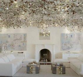 Μέσα σε μια έπαυλη, μα τι έπαυλη! Με διώροφο πολυέλαιο καλυμμένο από Swarovski - έχει 17 υπνοδωμάτια και 25 μπάνια (βίντεο) - Κυρίως Φωτογραφία - Gallery - Video