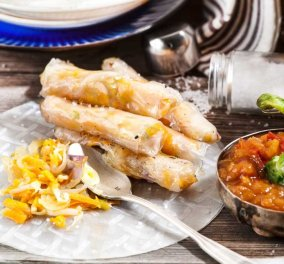 Αργυρώ Μπαρμπαρίγου: Spring Rolls με σάλτσα γλυκιάς πιπεριάς - Γευτείτε την υπέροχη γέμισή τους - Κυρίως Φωτογραφία - Gallery - Video