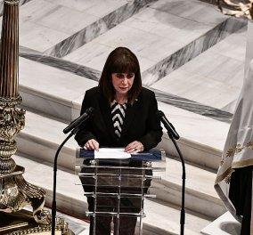 ΠτΔ: Λύγισε στον επικήδειό της - Αποχαιρετούμε όλοι μαζί σήμερα τον Έλληνα, Οικουμενικό, Πατριώτη Μίκη Θεοδωράκη (φωτό - βίντεο) - Κυρίως Φωτογραφία - Gallery - Video