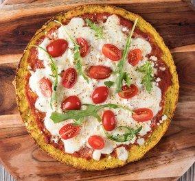 Άκης Πετρετζίκης: Για εσάς που κάνετε δίαιτα έχει την λύση - Πίτσα με κουνουπίδι και κατσικίσιο τυρί  - Κυρίως Φωτογραφία - Gallery - Video