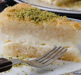 Στέλιος Παρλιάρος: Έτσι θα φτιάξουμε Κουνάφα - παραδοσιακό αιγυπτιακό γλυκό με κανταΐφι και γέμιση από κρέμα ή τυρί - Κυρίως Φωτογραφία - Gallery - Video