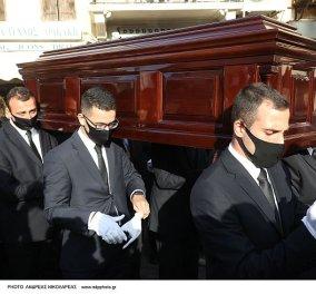 Live η κηδεία του Μίκη Θεοδωράκη: Σε λίγο η γη της Κρήτης θα τον κρατάει για πάντα στην αγκαλιά της (βίντεο) - Κυρίως Φωτογραφία - Gallery - Video