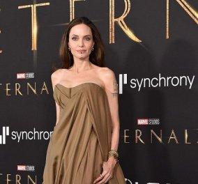 Angelina Jolie: Στο red carpet με τα 5 της παιδιά - όλοι με παλιά ρούχα της μαμάς - το χρυσό κόσμημα στα χείλη, η θηλυκή Shiloh (φωτό & βίντεο) - Κυρίως Φωτογραφία - Gallery - Video