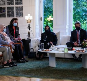 """Κυρ. Μητσοτάκης στη συνάντηση με Αφγανές βουλευτές & δικαστικούς: """"Κρατήστε ζωντανές τις ελπίδες σας -Θα αγωνιστούμε μαζί σας για τα δικαιώματα σας"""" (φώτο)   - Κυρίως Φωτογραφία - Gallery - Video"""