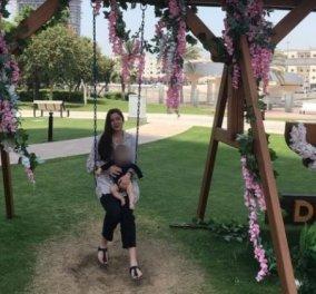 Γλυκά Νερά - πατέρας Καρολάιν: Σε ελληνική ορθόδοξη εκκλησία η βάπτιση της Λυδίας - η μικρή «αρνείται να κοιμηθεί μόνη της» (φωτό & βίντεο) - Κυρίως Φωτογραφία - Gallery - Video