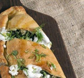 Γιάννης Λουκάκος: Σπανακόπιτα με φέτα και φύλλο από ζύμη μαγιάς - μια συνταγή με αγαπημένες ελληνικές γεύσεις - Κυρίως Φωτογραφία - Gallery - Video