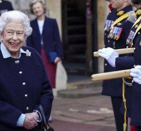 Η βασίλισσα Ελισάβετ ακύρωσε το ταξίδι της Βόρεια Ιρλανδία για ιατρικούς λόγους - Ανησυχία για την υγεία της (βίντεο) - Κυρίως Φωτογραφία - Gallery - Video