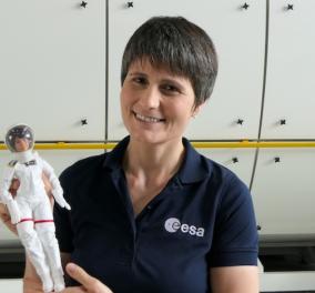 """Η """"Μπάρμπι"""" πέταξε (και) στο διάστημα - Μπάρμπι Σαμάνθα Κριστοφορέτι το όνομά της, από την Ιταλίδα αστροναύτη (φωτό - βίντεο)  - Κυρίως Φωτογραφία - Gallery - Video"""
