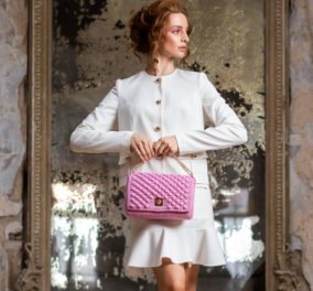 MISS POLYPLEXI X ALMA ZOIS: Με την πλεκτή ροζ τσάντα «Alma Rose Pink» στηρίζει τον Πανελλήνιο Σύλλογο Γυναικών με Καρκίνου Μαστού - Κυρίως Φωτογραφία - Gallery - Video