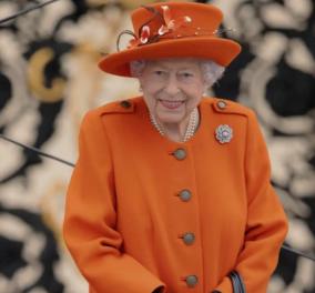Βασίλισσα Ελισσάβετ νέα εμφάνιση: Με έντονο πορτοκαλί παλτό & ασορτί καπέλο, τεράστιο χαμόγελο & νεανική ματιά (φωτο) - Κυρίως Φωτογραφία - Gallery - Video