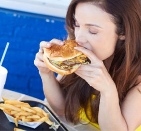 Μόνο 2 εβδομάδες λιπαρές τροφές αρκούν για να αυξηθεί ο κίνδυνος καρκίνου του εντέρου! - Κυρίως Φωτογραφία - Gallery - Video