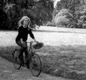 Vintage Bicycle: Όταν οι stars του Χόλιγουντ έκαναν ποδήλατο με στυλ... - Κυρίως Φωτογραφία - Gallery - Video