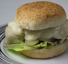 O «Happy Cook» Ευτύχης Μπλέτσας μας φτιάχνει ένα καταπληκτικό Burger Μιλανέζα! Λαχταριστό όσο τίποτα! (βίντεο) - Κυρίως Φωτογραφία - Gallery - Video