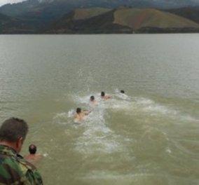 Κρήτη: Βούτηξαν και στη λίμνη του «Σήφη» για τα Θεοφάνεια αλλά αυτός δεν... φάνηκε! - Κυρίως Φωτογραφία - Gallery - Video