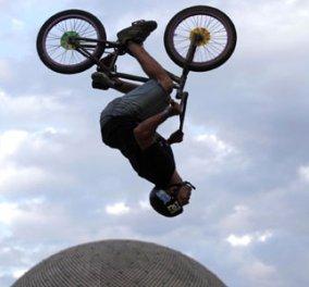 Μοιραστείτε μαζί μου φιγούρες και επικίνδυνες ορθοπεταλιές από ποδηλάτες στο Μπουένος Άιρες - Κυρίως Φωτογραφία - Gallery - Video