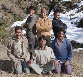 Ινδία: Η γυναίκα που παντρεύτηκε πέντε αδέλφια - Δεν ξέρει τίνος είναι το παιδί - Κοιμάται κάθε βράδυ με έναν διαφορετικό! (φωτό) - Κυρίως Φωτογραφία - Gallery - Video