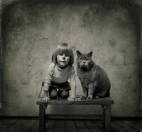 Το κοριτσάκι , η γάτα και ο φωτογράφος που είχε κέφια για να κάνει ένα άλμπουμ αγάπης με τα ζώα και τα παιδιά ! - Κυρίως Φωτογραφία - Gallery - Video