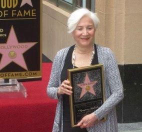 Το δικό της αστέρι απέκτησε η Olympia Dukakis στη ''Λεωφόρο της Δόξας'' στο Χόλυγουντ! (φωτό) - Κυρίως Φωτογραφία - Gallery - Video