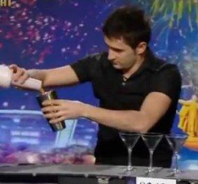 Πιείτε ένα κοκτέιλ από αυτόν τον superman - barman και θα με θυμηθείτε! (video)  - Κυρίως Φωτογραφία - Gallery - Video