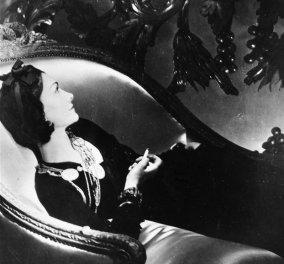 Ας διεισδύσουμε στα άδυτα της Chanel μέσα από την μαγεία των αρωμάτων, της καμέλιας, του μικρού μαύρου φορέματος στα νέα βίντεο που ετοίμασε ο διάδοχος της Καρλ Λάγκερφελντ - Κυρίως Φωτογραφία - Gallery - Video