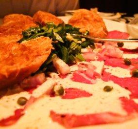 Κοτολέτες μοσχαριού με ζεστή σάλτσα κάπαρης και ντομάτας από τον Άκη Πετρετζίκη! Τρομερός συνδυασμός! - Κυρίως Φωτογραφία - Gallery - Video