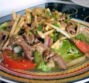 Ταϊλανδέζικη σαλάτα με μοσχάρι μόλις σε 20 λεπτά από τον Άκη Πετρετζίκη - Κυρίως Φωτογραφία - Gallery - Video
