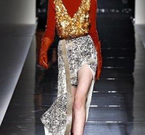 Λευκή δαντέλα ή φούστα με φτερά, μήπως μια τιάρα; Οι 16 ουάου προτάσεις της Vogue για το τι θα φορέσουμε τα Χριστούγεννα - Μην το δέσετε κιόλας just a look... στα α-τιμα! - Κυρίως Φωτογραφία - Gallery - Video