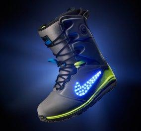 Με φωτάκια χριστουγεννιάτικα μοιάζουν τα Led που φωτίζουν τις νέες μπότες για snowboard της Nike και είναι...ουάου! (φωτό & βίντεο) - Κυρίως Φωτογραφία - Gallery - Video
